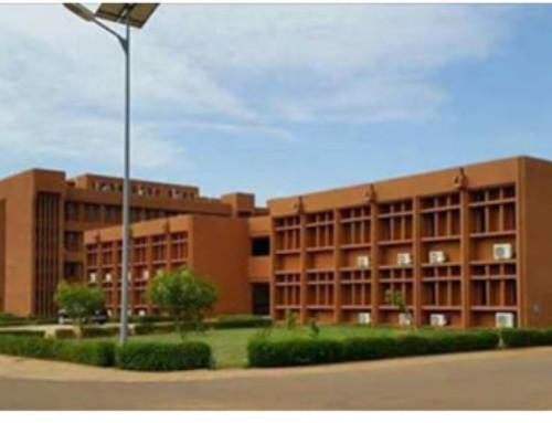 Vivere isolati o morire assieme: il corona visto da Niamey