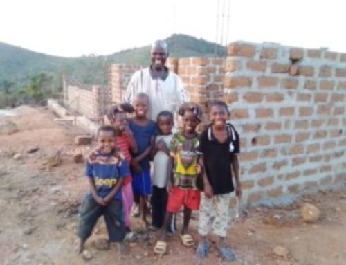 """P.Lorenzo Snider: """"La futura scuola per i bambini di Ngesu Pio Kongor già arrivata al tetto"""""""