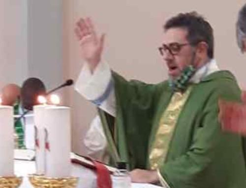 P. Davide celebra la sua prima messa da prete missionario SMA