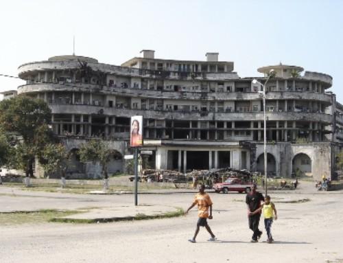 Mozambico: la bidonville nel Grand Hotel