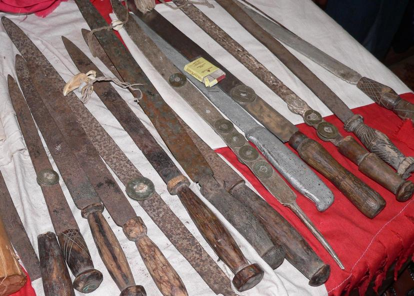 irin-ceremonial-knives-owned-by-members-of-the-womens-bondo-society